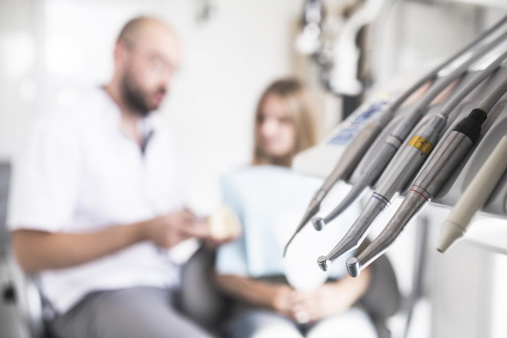 從病患角度出發看待 Bone Level 和 Tissue Level 選擇才是正確