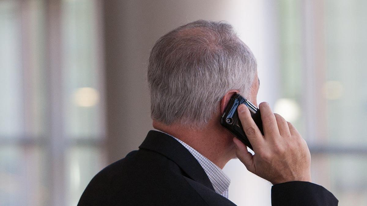 牙醫師在新冠肺炎疫情期間應善用電話